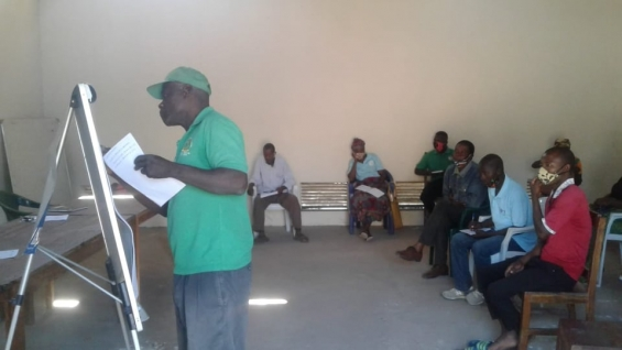 Monapo: Agricultores recebem formação em gestão da moageira e em controlo de pragas